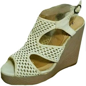 Lucky Brand Beige Perforated Platform Wedges 10M